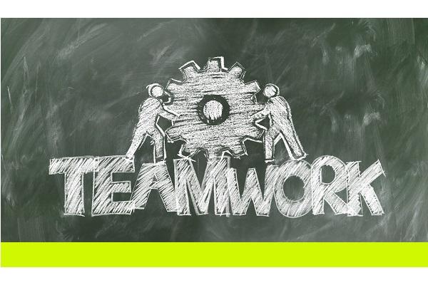 teamwork-2499619_1920